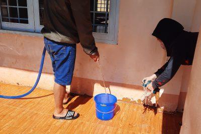 Ra quân dọn dẹp vệ sinh chuẩn bị đón học sinh trở lại trường